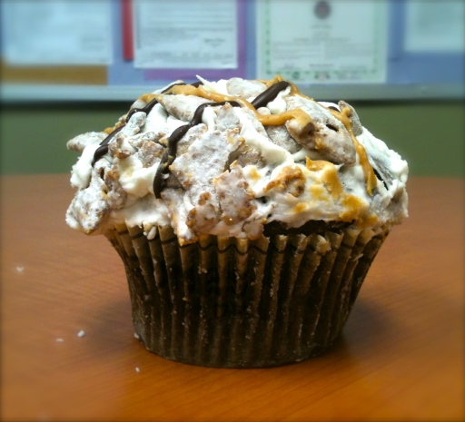 Crumbs Party Mix Cupcake